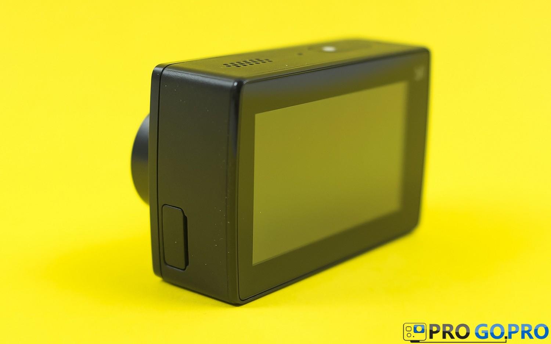 камера Xiaomi YI 4K вид с боку